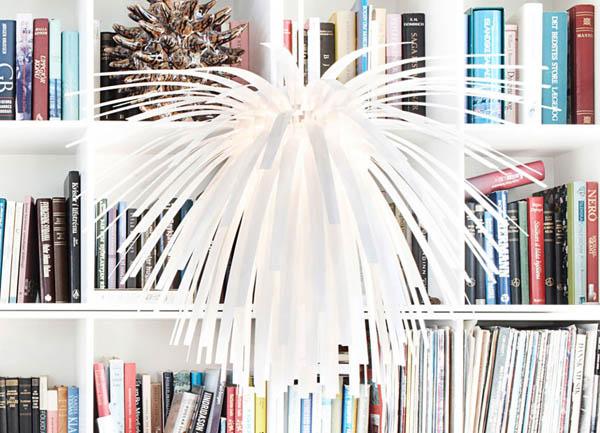 Необычная белая подвесная люстра Snowflower в интерьере