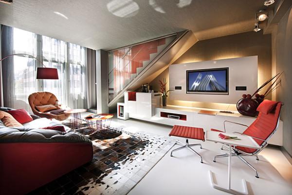 Гостиная номера роскошного отеля Sofitel Munich Bayerpost