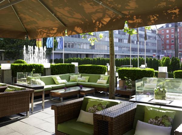 Терраса роскошного отеля Sofitel Munich Bayerpost