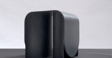 Пластика и выразительность искусственного камня в дизайне мебели Arc от OS ∆ OOS