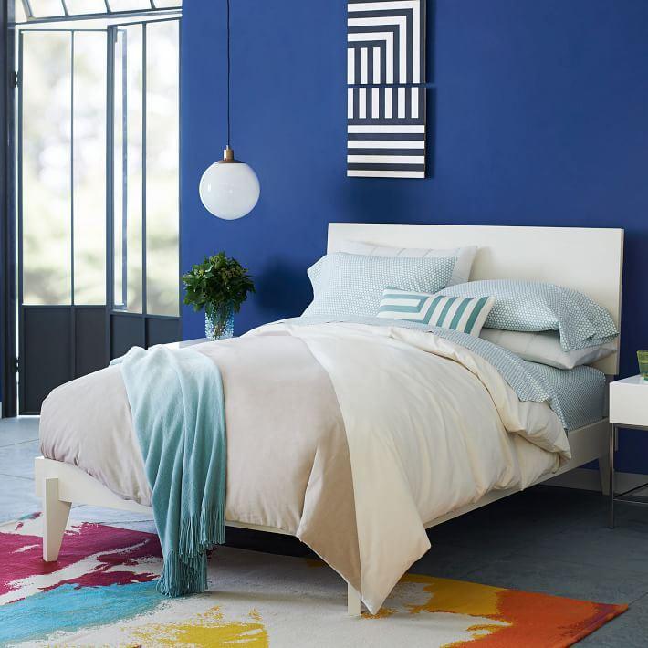 Оформление спальни от Kate Spade Saturday и West Elm