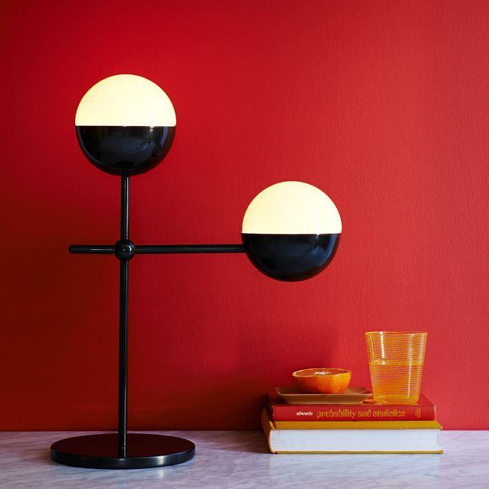 Настольная лампа как декор интерьера