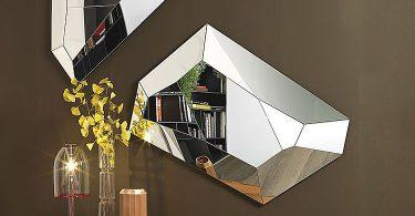 Современные зеркала необычной формы в интерьере