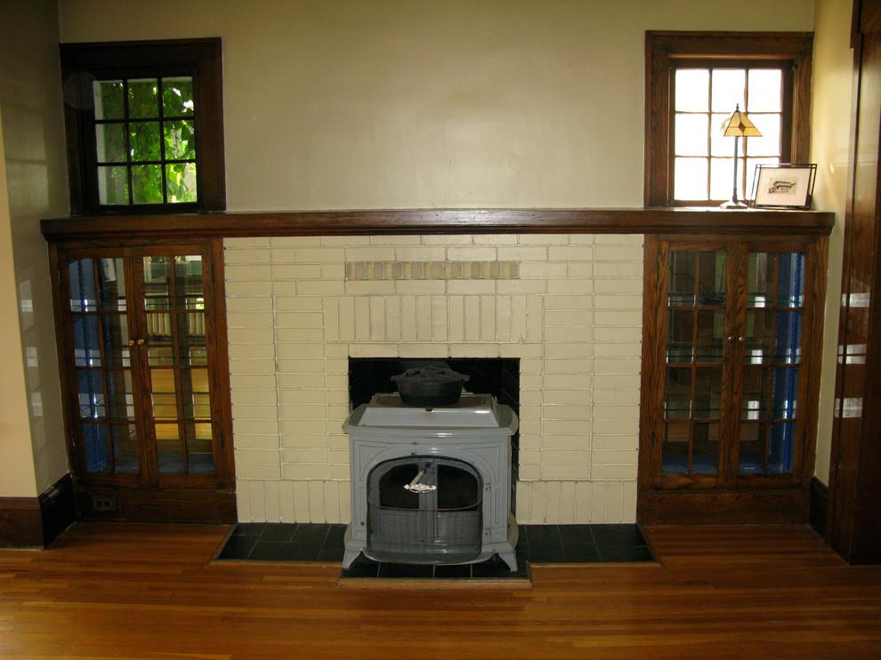 Оформление современного камина в интерьере дома - Фото 1