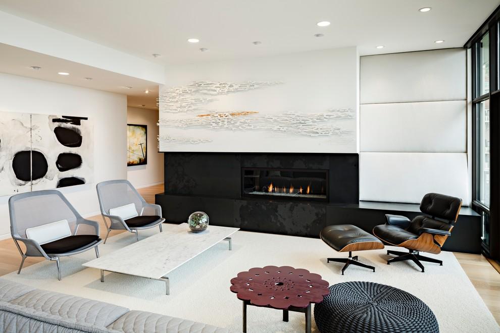 Оформление современного камина в интерьере дома - Фото 18