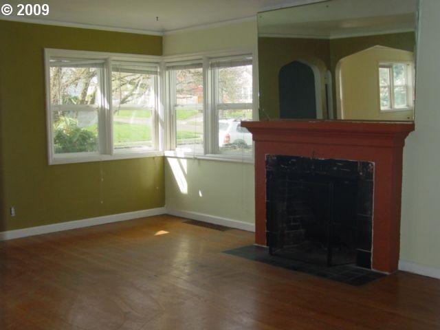 Оформление современного камина в интерьере дома - Фото 19
