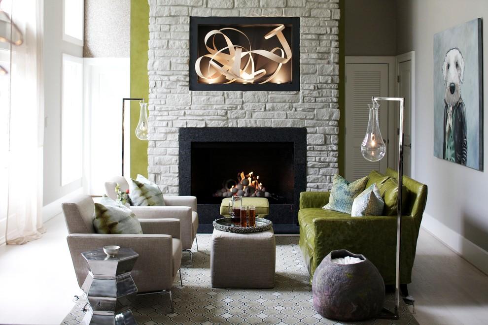 Оформление современного камина в интерьере дома - Фото 26