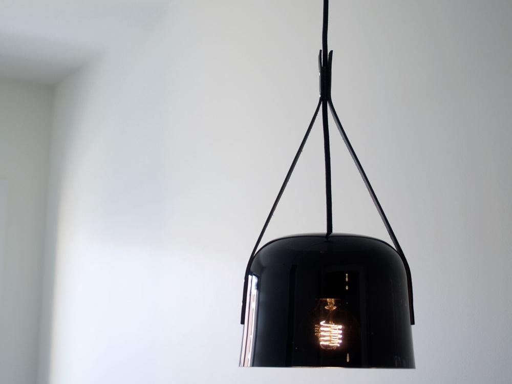 Норвежский дизайн: очень тёмное стекло