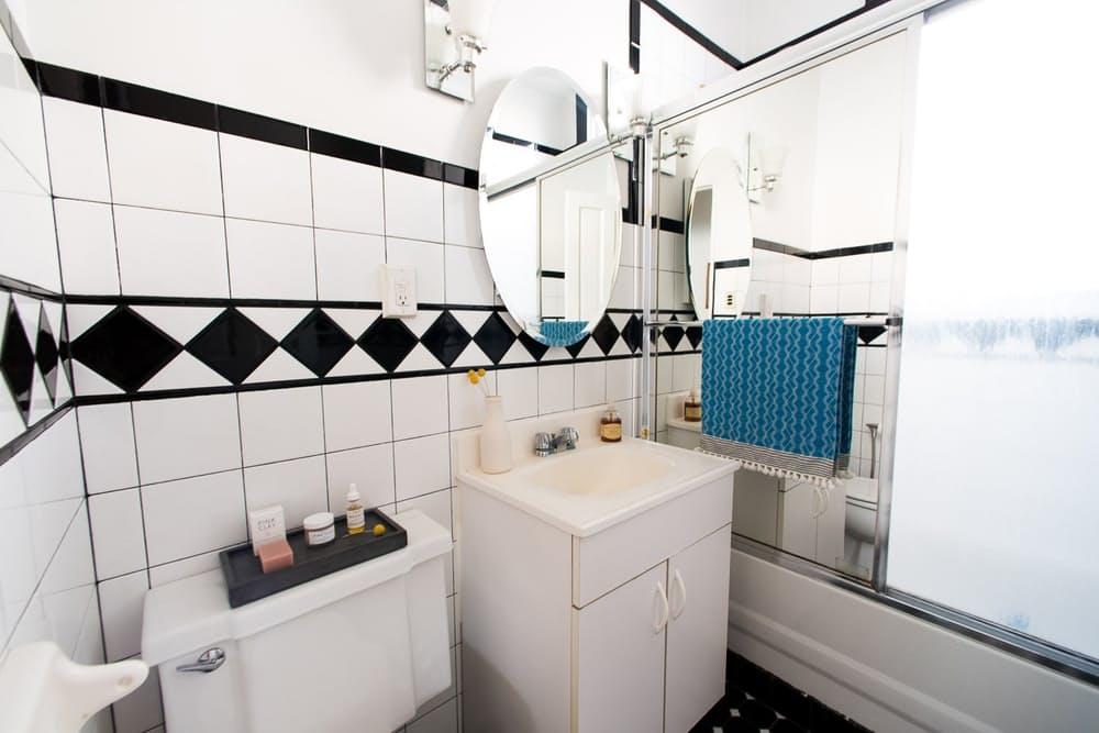 Современный скандинавский интерьер: совмещённая ванная комната