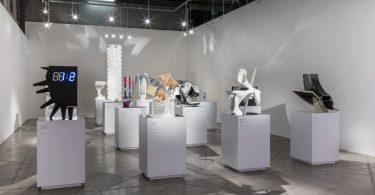 Современные арт-объекты: выставка в Калифорнии