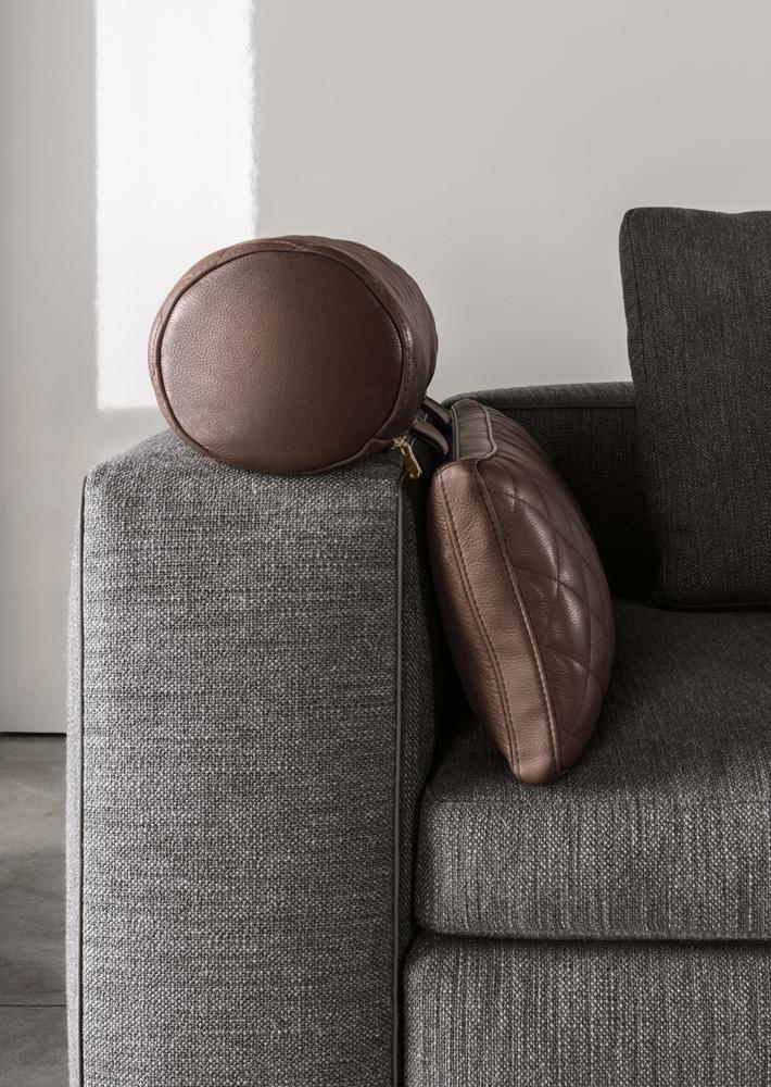 Современные диваны в интерьере гостиной - диван Leonard