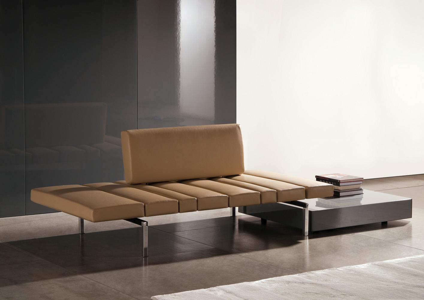 Современные диваны в интерьере гостиной - диван Smith