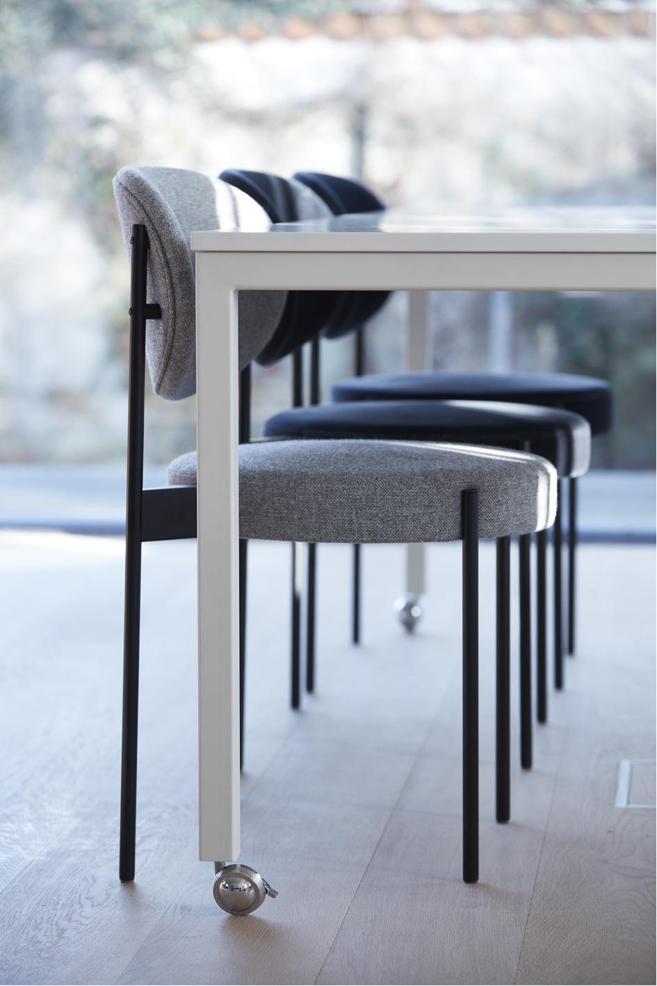 Современные дизайнерские стулья 430 в интерьере