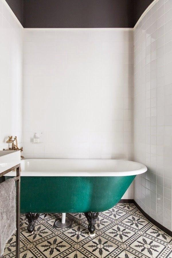 Интересные идеи мозаичной плитки в ванной комнате