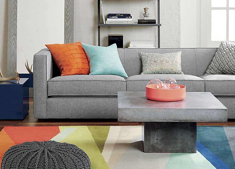 Современные журнальные столики, фото мягкого дивана и каменного столика