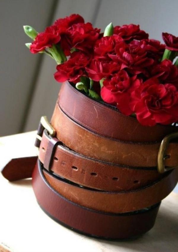 Оригинальнай ваза как элемент дизайна интерьера