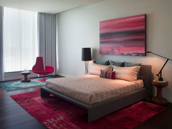Старинные ковры в интерьере спальной комнаты