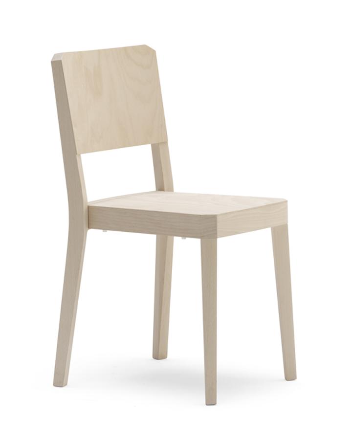 Деревянный штабелируемый стул
