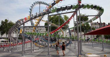 Батист Дебомбург: уличная инсталляция «Звёздная» на площади Дю Буффе в Нанте (Франция)