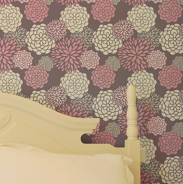 Декоративные подушки с монограммой