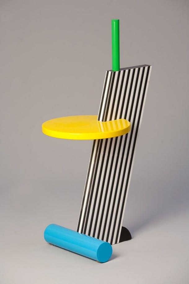 Тумбочка в стиле 80-х от Майкла де Люччи