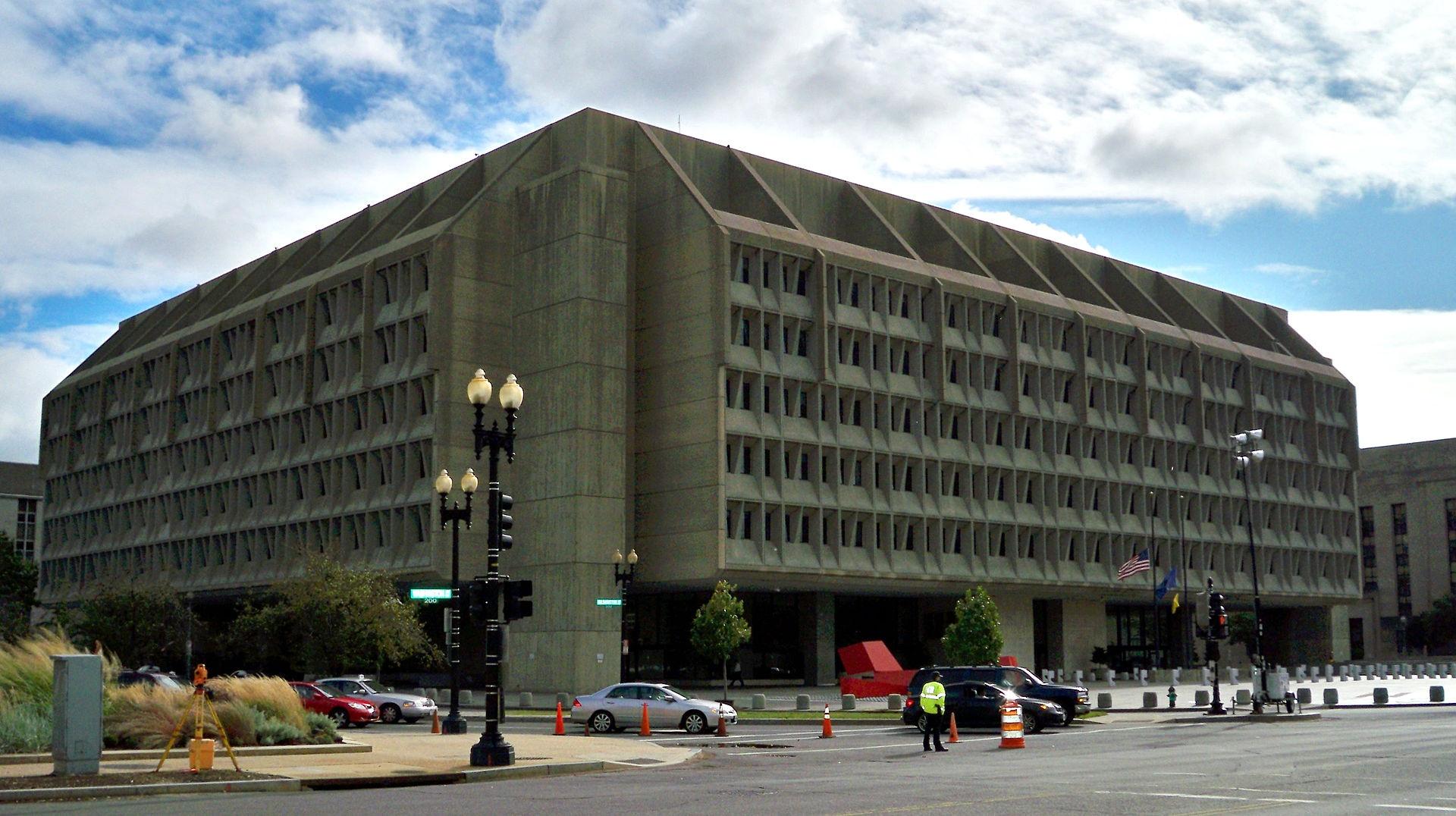 Брутализм в архитектуре подчеркивает грубую фактуру бетона