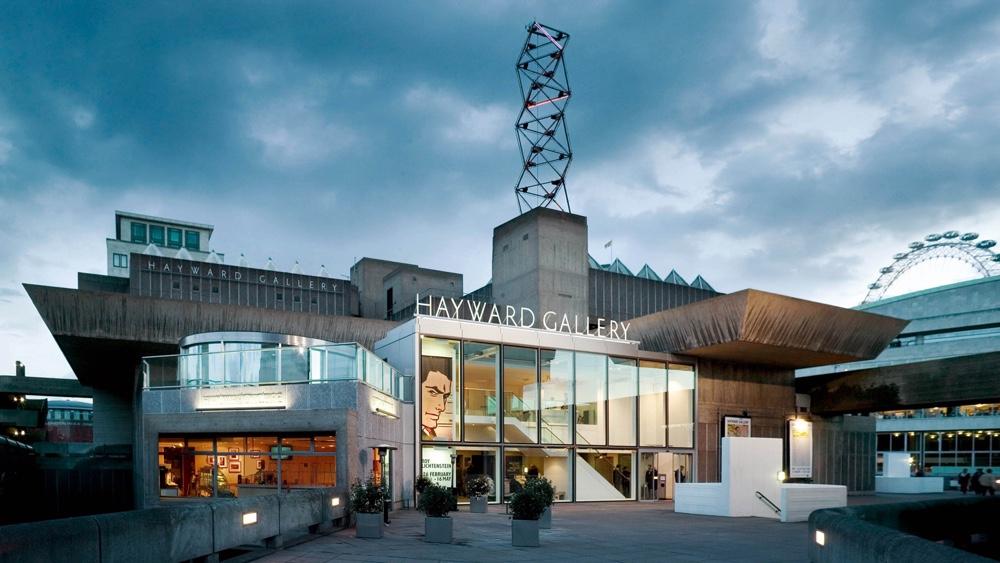 Брутализм в архитектуре - художественная галерея Хейворд из массивных бетонных блоков