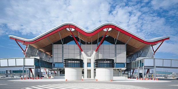 Стиль хай-тек в архитектуре: фасад аэропорта