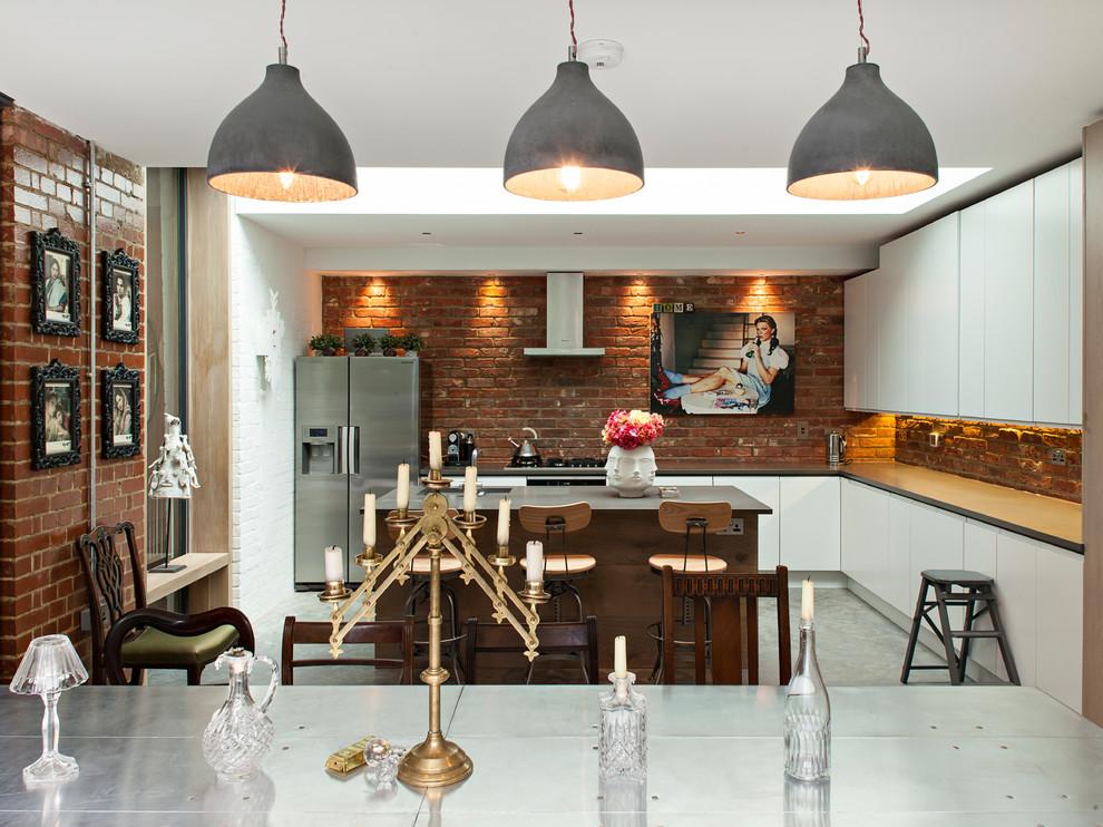 Кухня в коричнево-белом цвете
