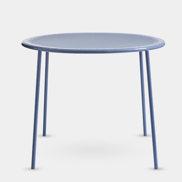 Стильный дизайн мебели: утончённый столик
