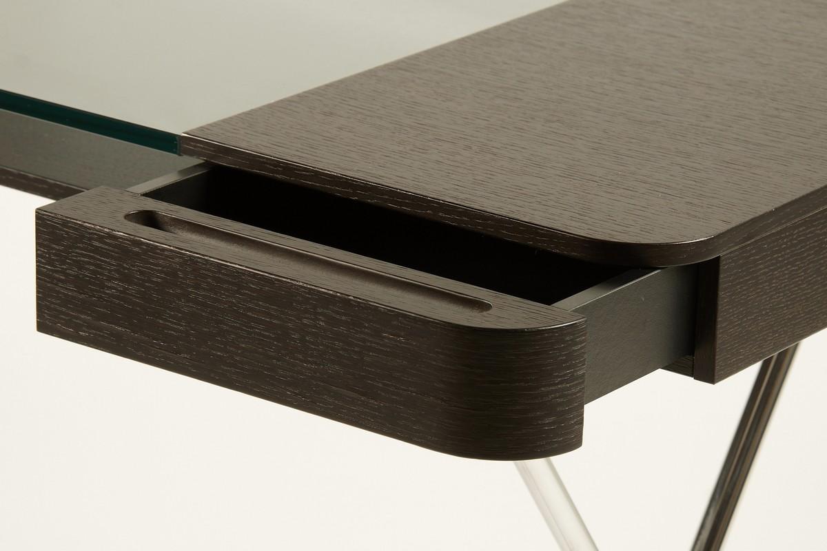 Стильный офисный стол цвета венге