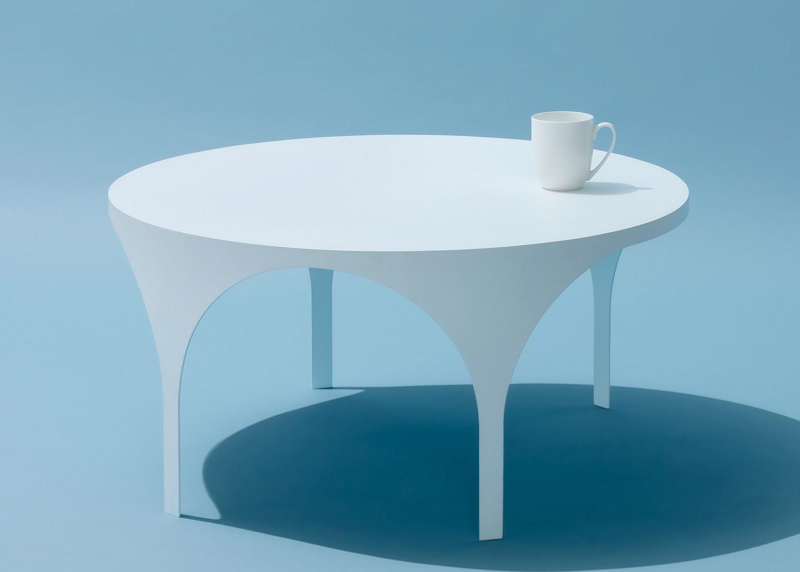 Кофейный стол с арками в белом цвете - Фото 1