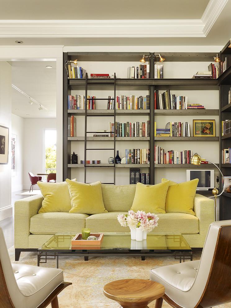 Стильные книжные шкафы до потолка