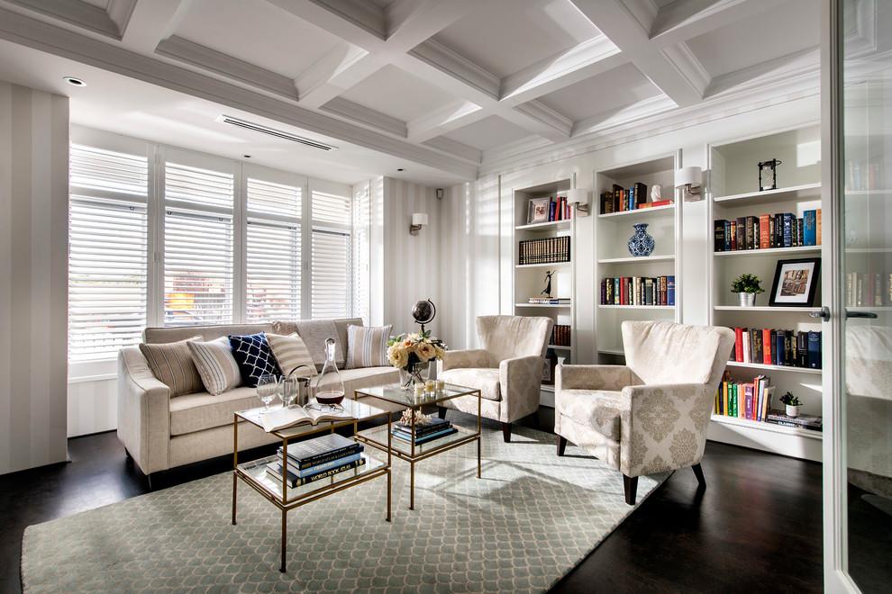 Стильные книжные шкафы в белом интерьере
