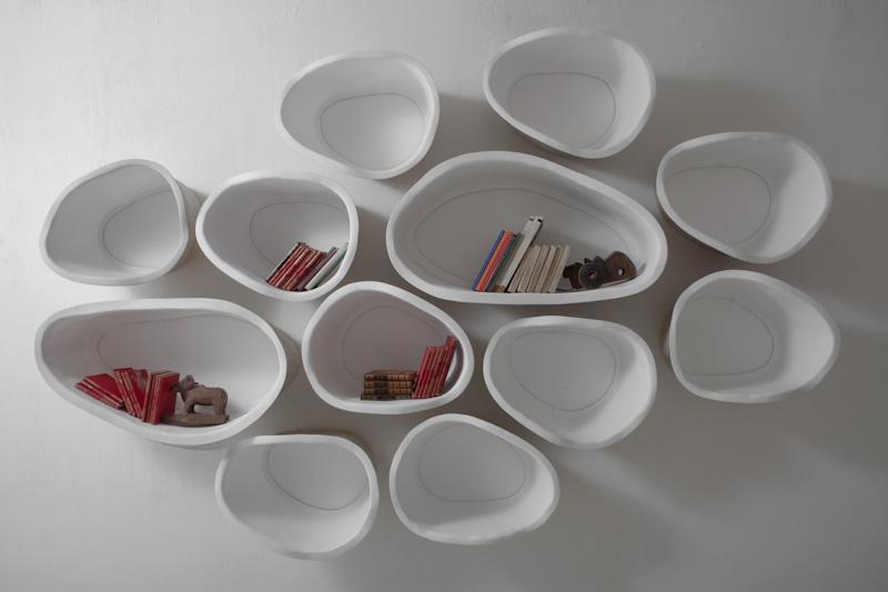 Белые полки оригинальной формы в интерьере - Фото 1