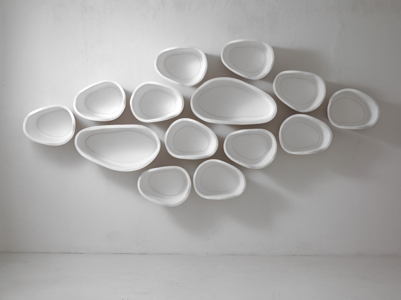 Белые полки оригинальной формы в интерьере - Фото 3
