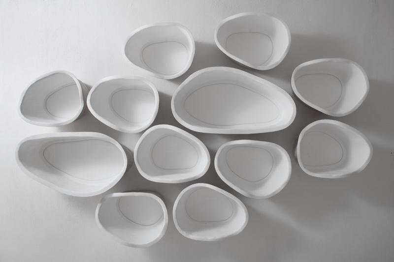 Белые полки оригинальной формы в интерьере - Фото 4
