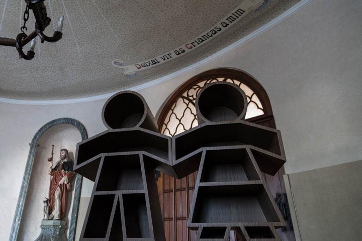 Оригинальные книжные полки от HENRIQUE STEYER в Бразилии