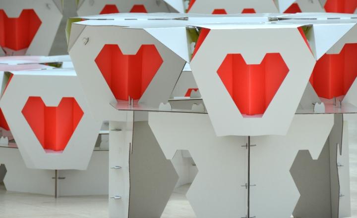 Прекрасные складные табуреты на выставке Popup Shop