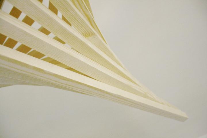 Материал деревянного светильника от Benjamin Migliore