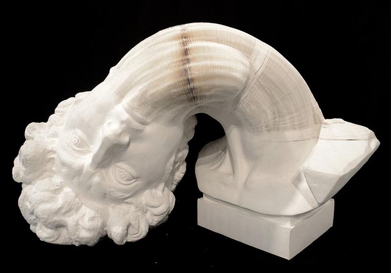 Сногсшибательная скульптура из бумаги