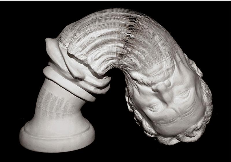 Замечательная скульптура из бумаги