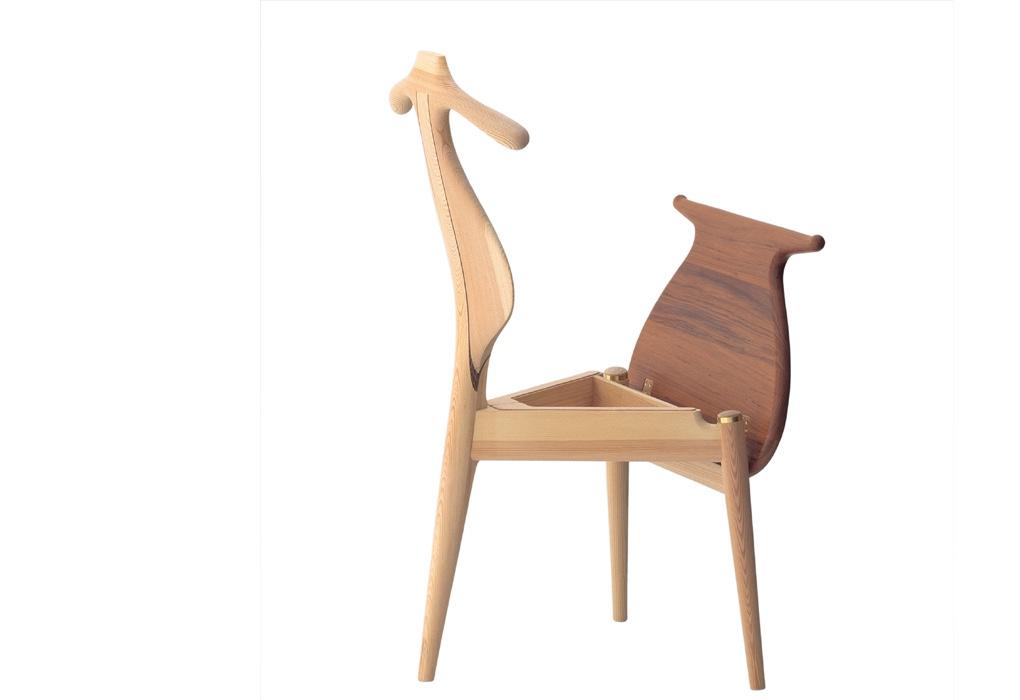 Сиденье у стула 50-х годов откидывается