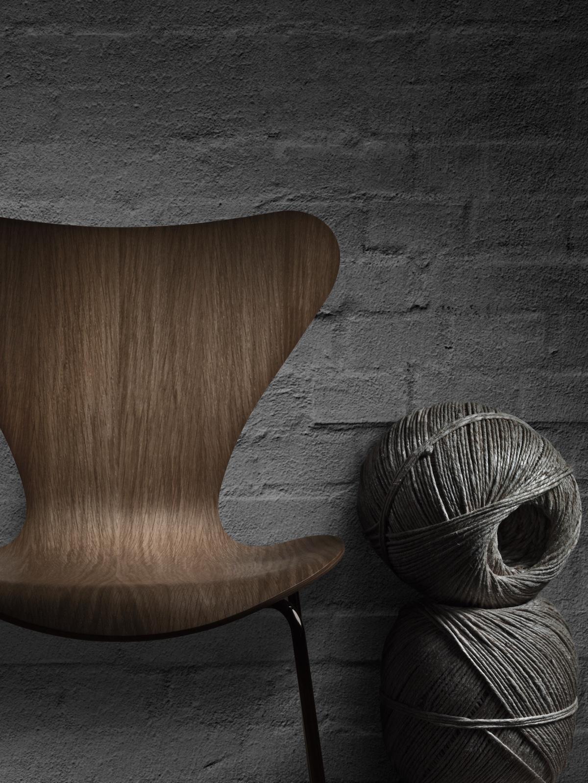 Деревянный стул 50-х годов изогнутой формы