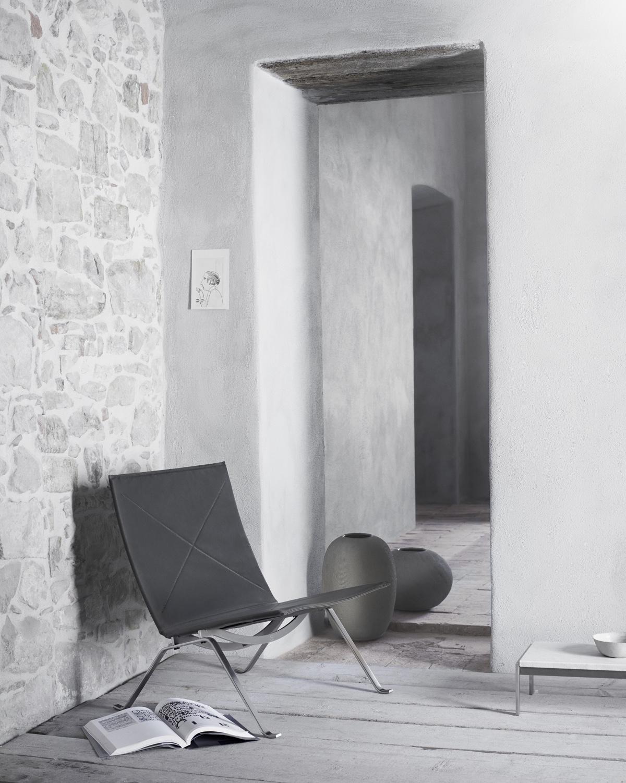 Серый стул 50-х годов со стальными ножками