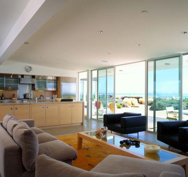 Великолепные раздвижные стеклянные двери в доме