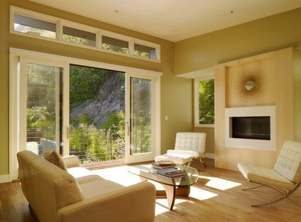 Стильные раздвижные стеклянные двери в доме