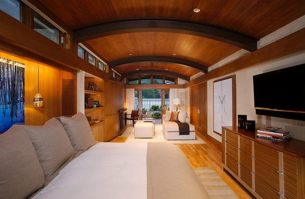 Яркий дизайн интерьера гостиной спальни