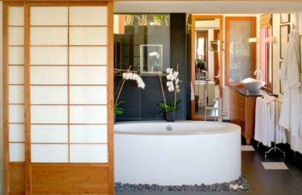 Изысканная ванная комната в японском стиле
