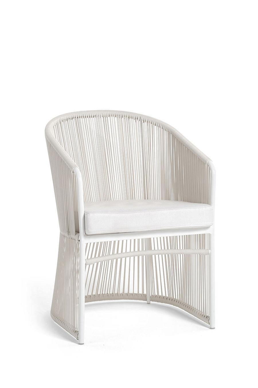 Плетеный белый стул